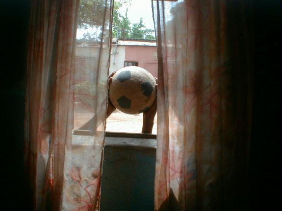 Mohamed Camara, Certain matins, je commence ma journée à la fenêtre(Some mornings, I begin the day at my window)